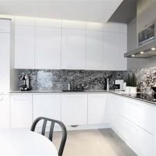 dom-na-kolibkach-kuchnia
