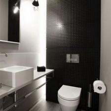dom-na-kolibkach-toaleta