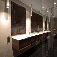 dom-na-wzgorzu-umywalki-lazienki